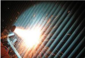 循环流化床锅炉水泠壁管喷涂